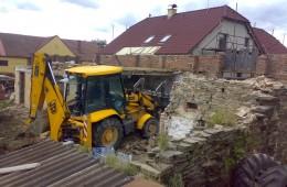 Demolice rodinného domu v obci Semtěš
